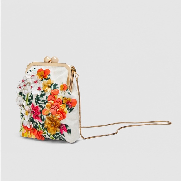 Zara Mini Floral Embellished Crossbody Bag. M 5b6b8826d8a2c74b979a8408